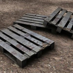 How to Disassemble a Wood Pallet With Ease