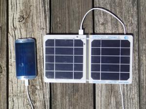 Suntactics sCharger Charging Smartphone